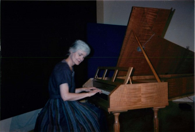 Presenting the fortepiano at Western
